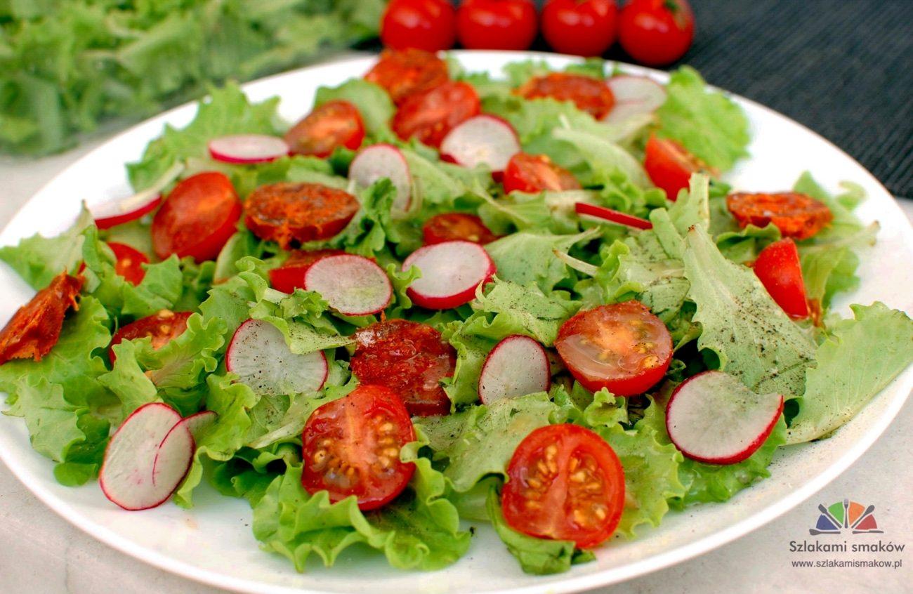 Insalatina (Sałatka z rzodkiewką, chorizo i pomidorkami cherry)